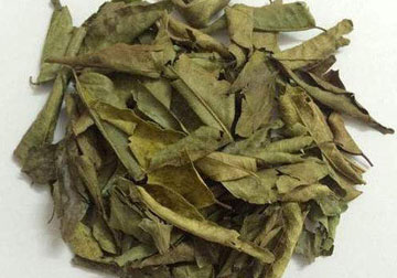 Dry curry leaves flakes